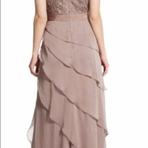 NWOT Adrianna Pappel Gown, cap sleeve, lace bodice